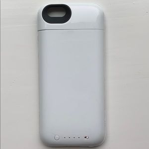 White Mophie Battery Charging iPhone 6 Case